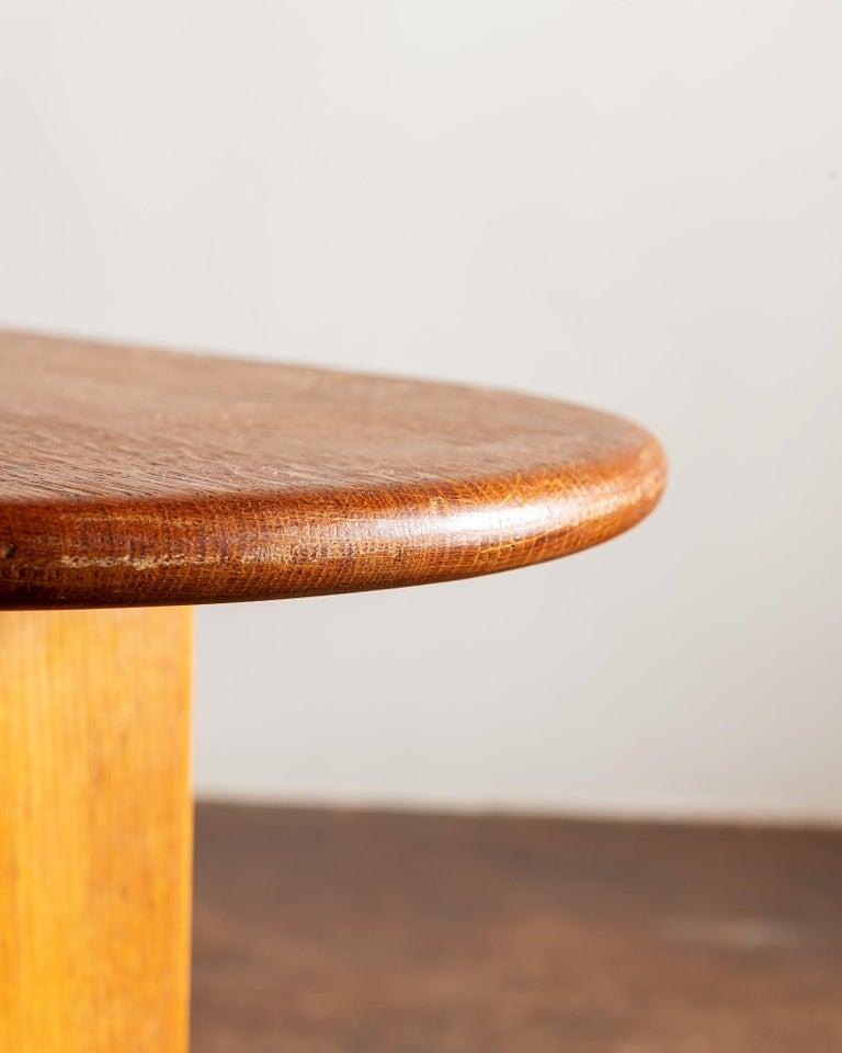 Elegant Side Table in Oak by Fritz Hansen, Denmark, 1940s 5