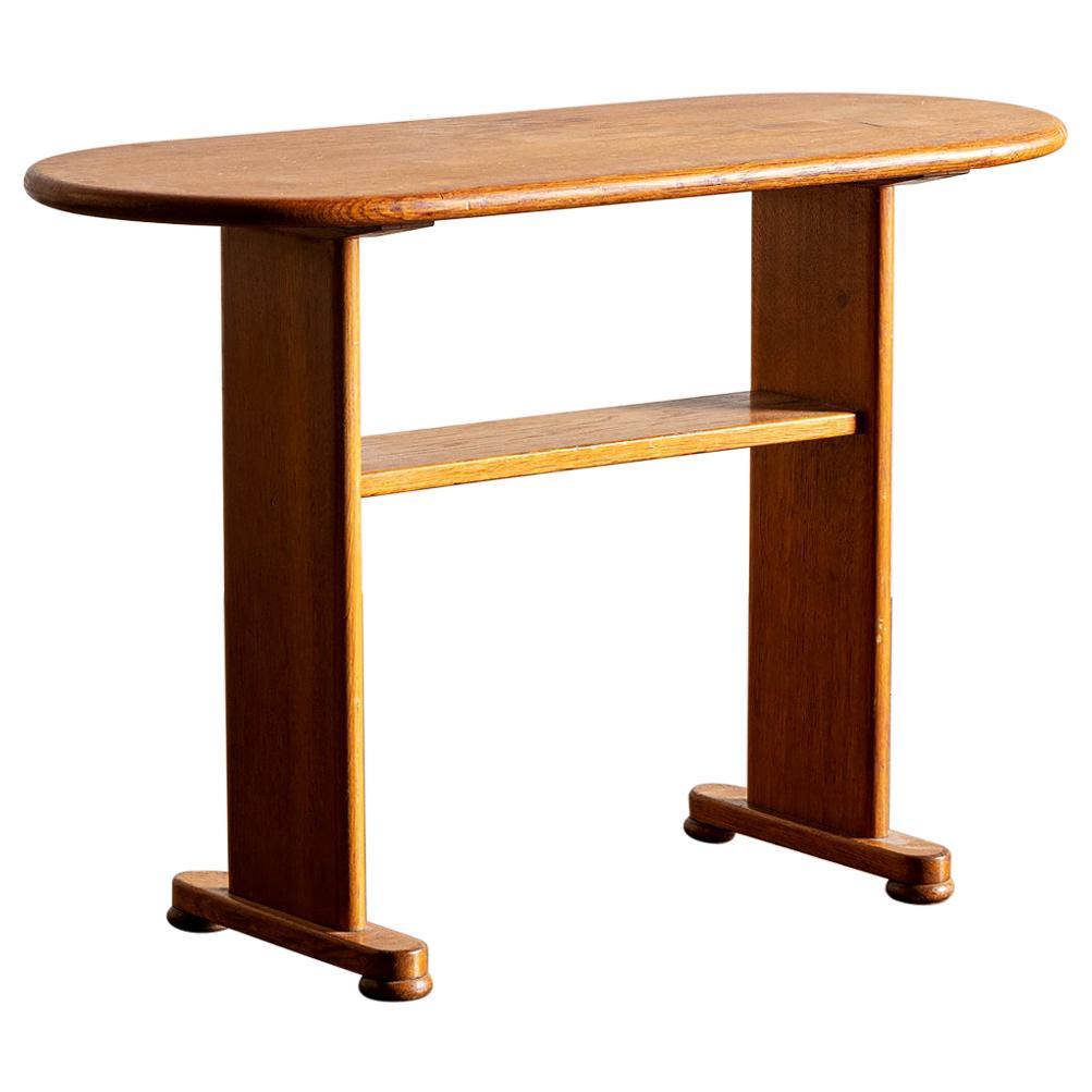 Elegant Side Table in Oak by Fritz Hansen, Denmark, 1940s