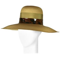 Elegant Straw Hat with Faux Tortoise Band
