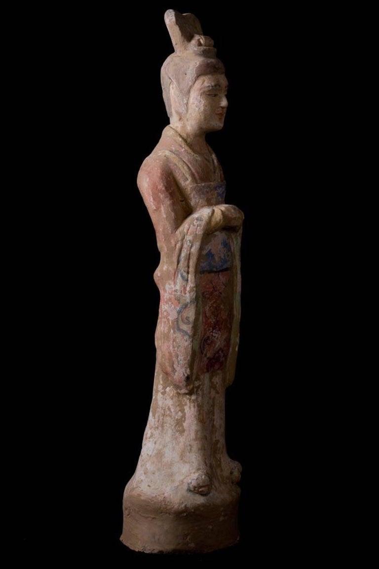 Elegant Tang Dynasty Dignitary in Orange Terracotta, China '618-907 AD' In Excellent Condition For Sale In San Pedro Garza Garcia, Nuevo Leon