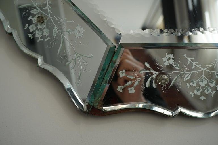 Elegant Venetian Mirror For Sale 6