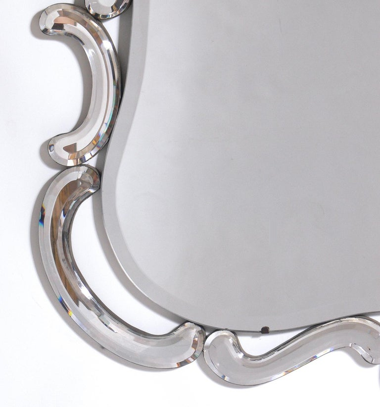 Italian Elegant Venetian Mirror For Sale