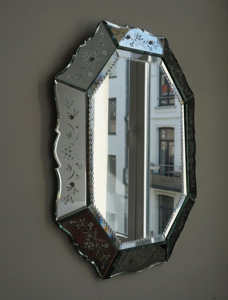 Elegant Venetian Mirror In Fair Condition For Sale In Antwerp, BE