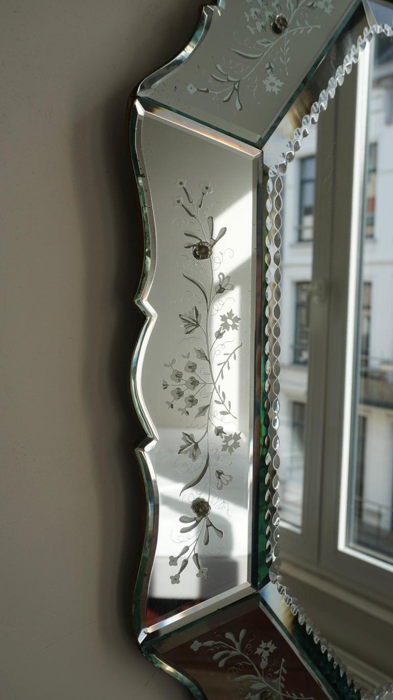 Elegant Venetian Mirror For Sale 2
