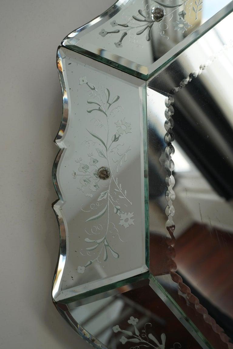 Elegant Venetian Mirror For Sale 3