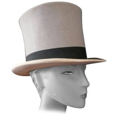 Elegant Vintage Grey Felt Top Hat from Herbert Johnson Bond Street
