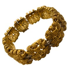 Elegant Vintage Italian 18 Karat Yellow Gold Diamond Bracelet