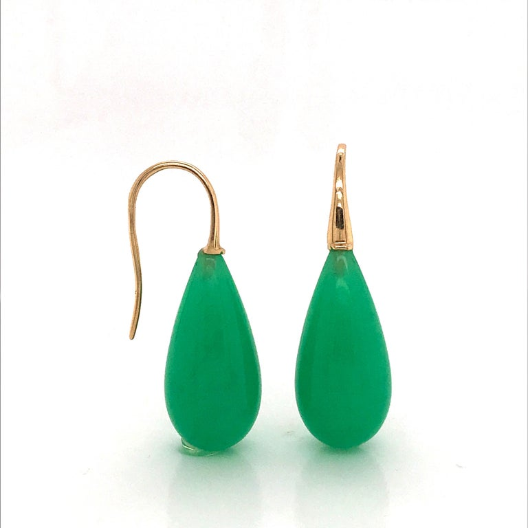 Contemporary Elegant Yellow Gold and Jade Drop Earrings 18 Karat For Sale