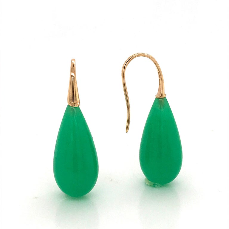Oval Cut Elegant Yellow Gold and Jade Drop Earrings 18 Karat For Sale