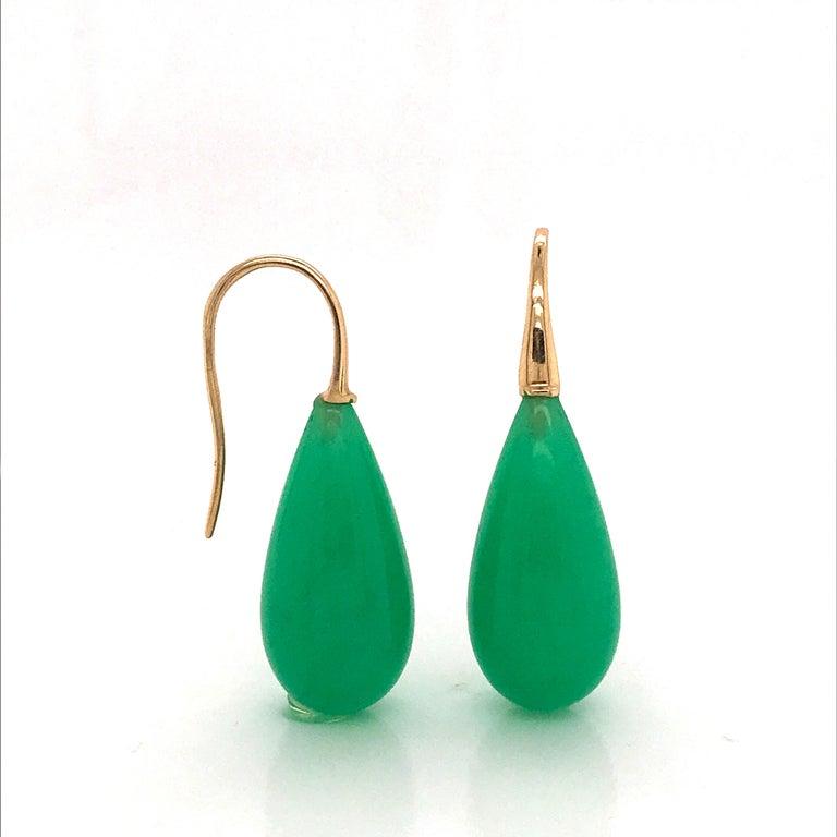 Elegant Yellow Gold and Jade Drop Earrings 18 Karat For Sale 1