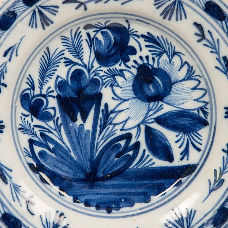 Eleven Blue and White Delft Dishes Hand Painted 18th Century Antique For Sale 3