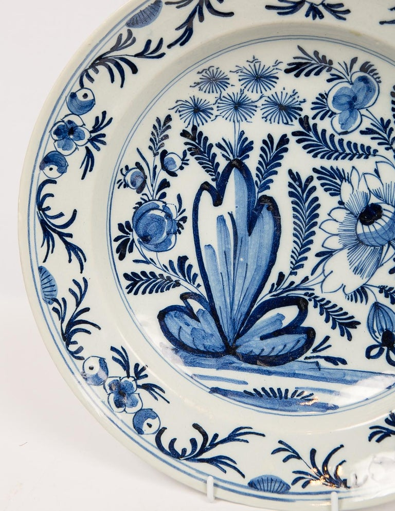 Eleven Large Blue and White Delft Chargers Antique Made Late 18th Century In Excellent Condition For Sale In New York, NY
