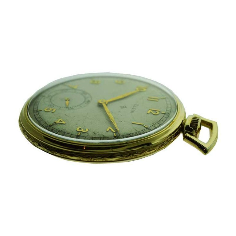 Elgin Yellow Gold Filled Art Deco Pocket Watch with Original Dial, circa 1940s In Excellent Condition For Sale In Venice, CA