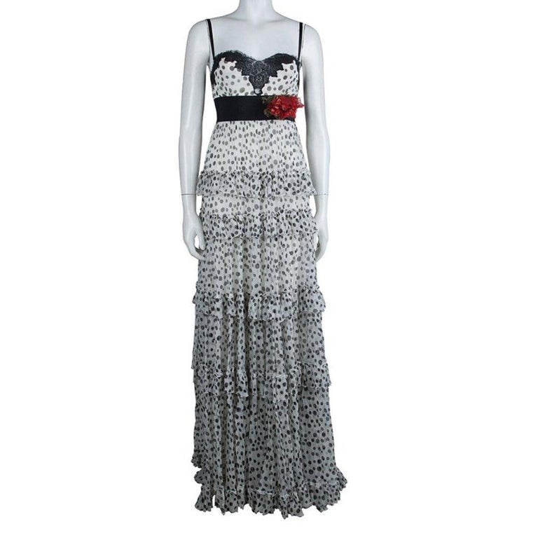 Elie Saab White Lace Detail Polka Dotted Tiered Sleeveless Gown M In Good Condition For Sale In Dubai, Al Qouz 2