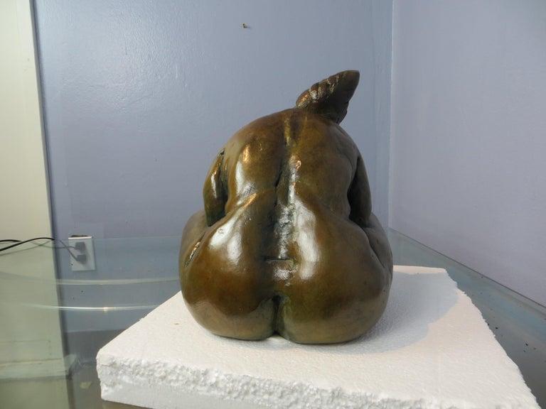 Belle en Songe  - Gold Nude Sculpture by Elisabeth Cibot