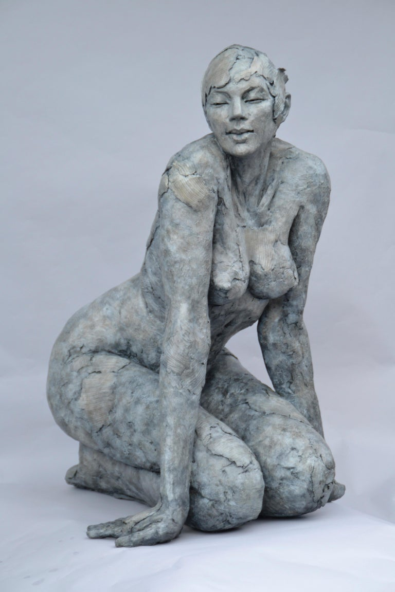 Born in 1960 in a family of artists collecting the bronzes of the Italian Renaissance, the sculpture has always been part of the environment of Elisabeth Cibot. She finds it again with happiness during her studies at the Ecole Nationale Superieure