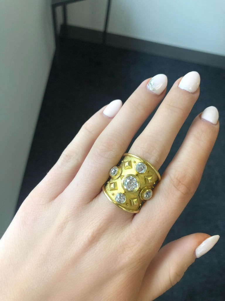 Elizabeth Gage 18 Karat Gold Ring with Diamonds For Sale 3
