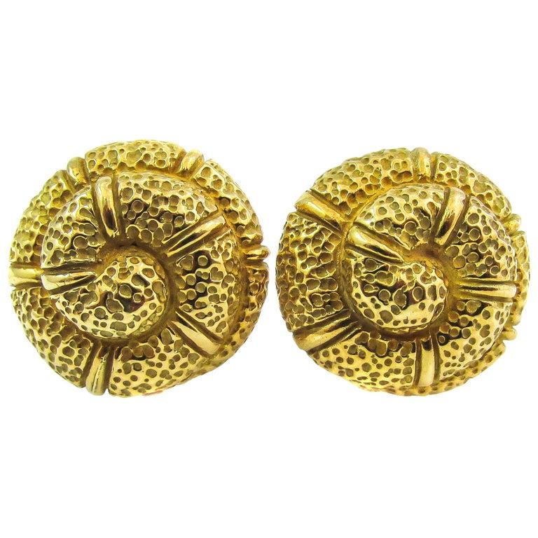 Elizabeth Gage 18 Karat Gold Snail Shell Earclips For Sale