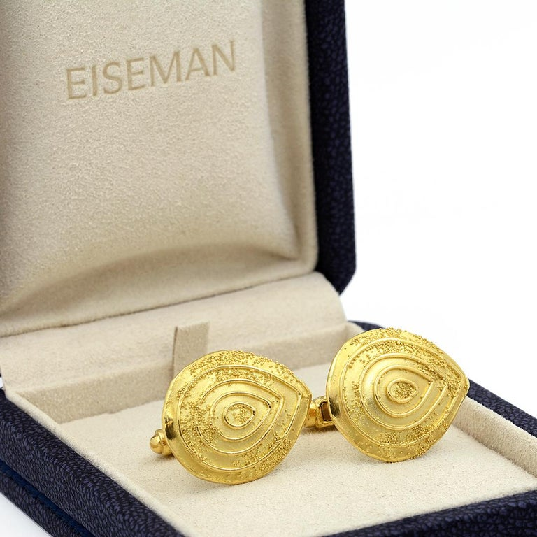 Elizabeth Gage 18k Gold Granulated Cufflinks For Sale 6