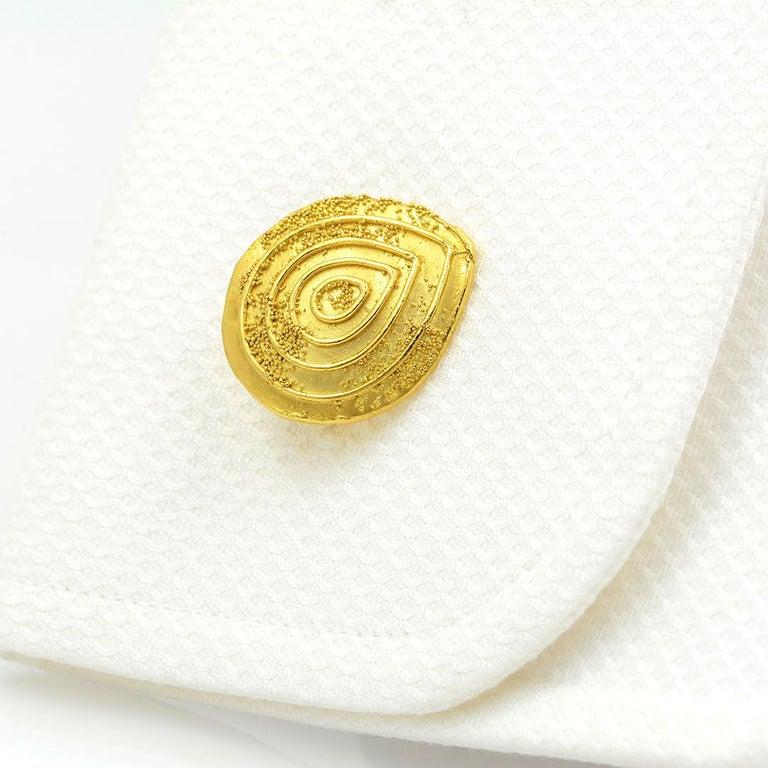 Elizabeth Gage 18k Gold Granulated Cufflinks For Sale 7