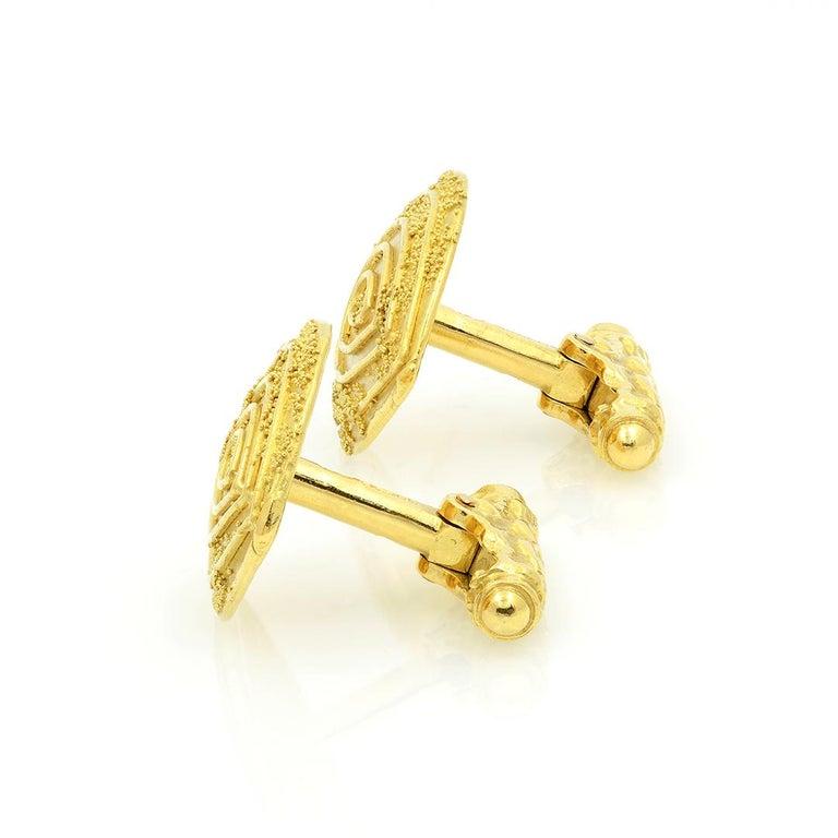 Elizabeth Gage 18k Gold Granulated Cufflinks For Sale 4