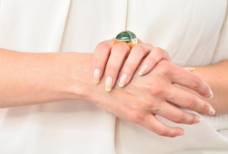Elizabeth Gage Vintage 1962 Green Tourmaline 18 Karat Gold British Unisex Ring For Sale 6