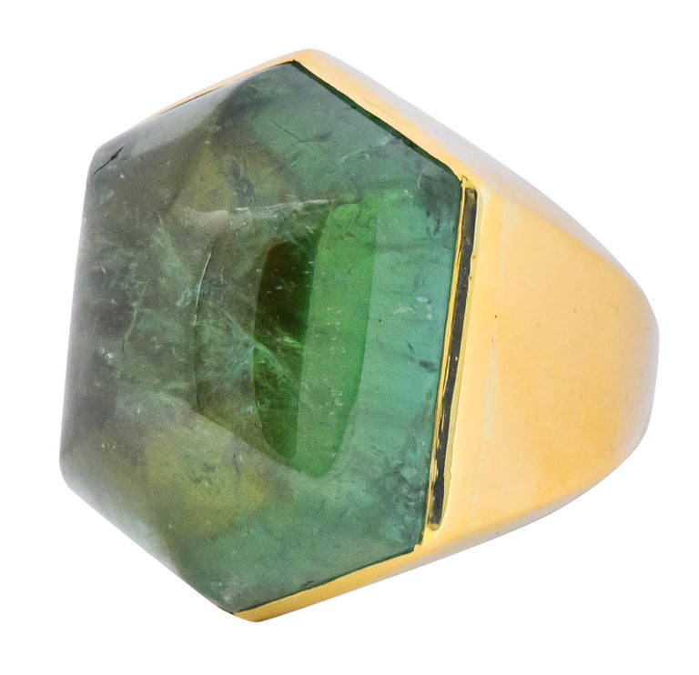 Elizabeth Gage Vintage 1962 Green Tourmaline 18 Karat Gold British Unisex Ring For Sale 2