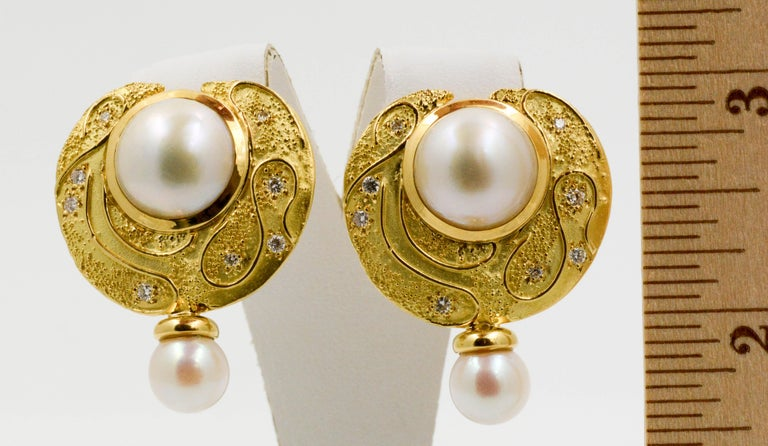 Elizabeth Garge Yellow Gold and White Cultured Mabe Pearl Clip Back Earrings For Sale 4
