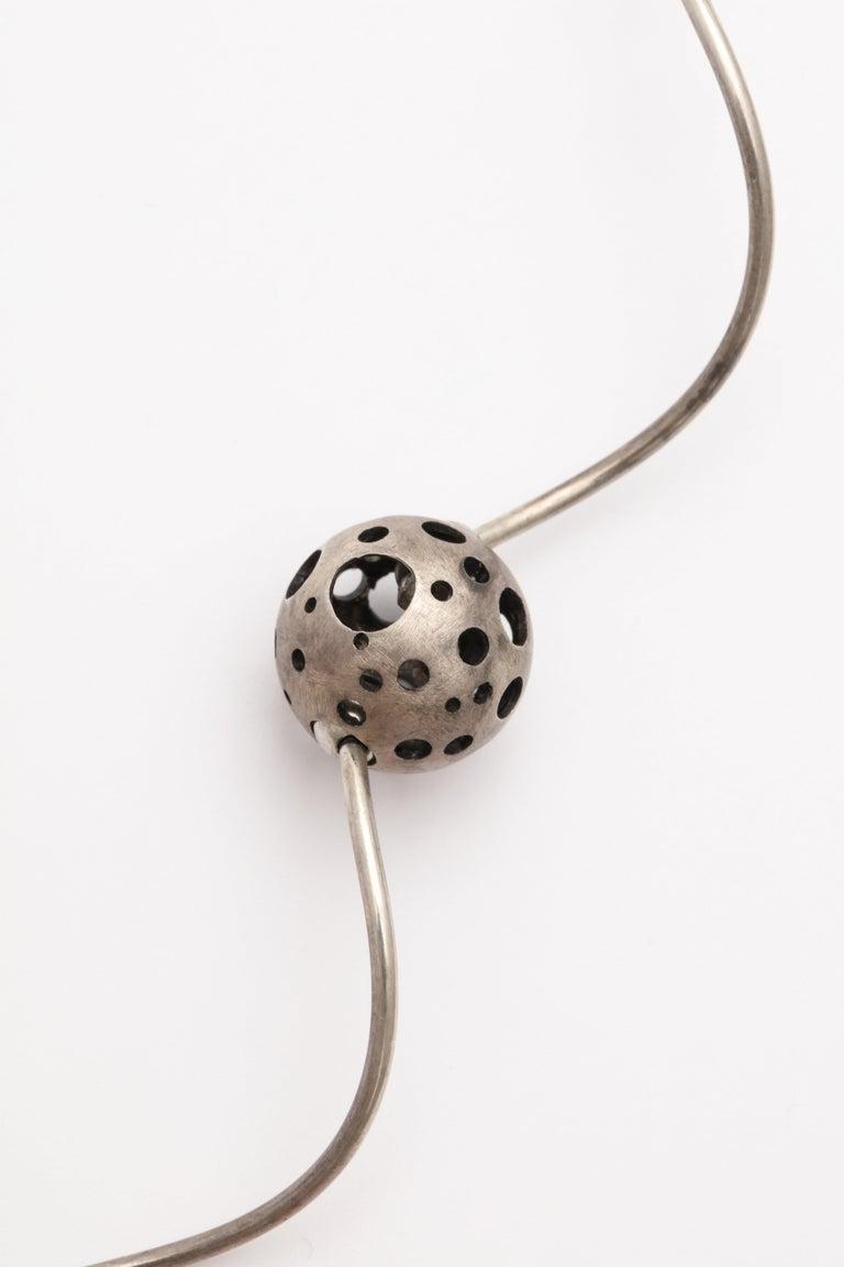 Elizabeth Garvin Modernist Silver Necklace For Sale 1