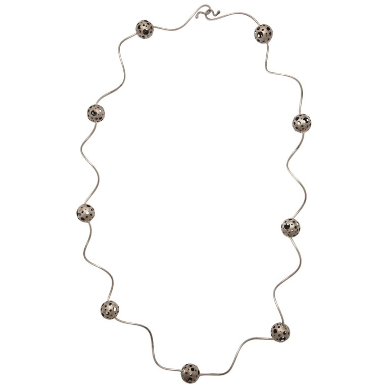 Elizabeth Garvin Modernist Silver Necklace For Sale