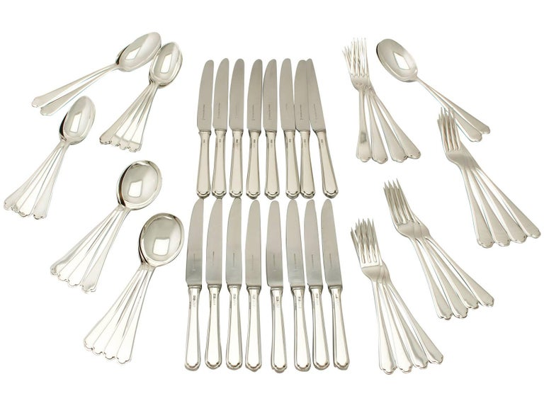 Elizabeth II Sterling Silver Canteen of Cutlery for Eight Persons For Sale 3