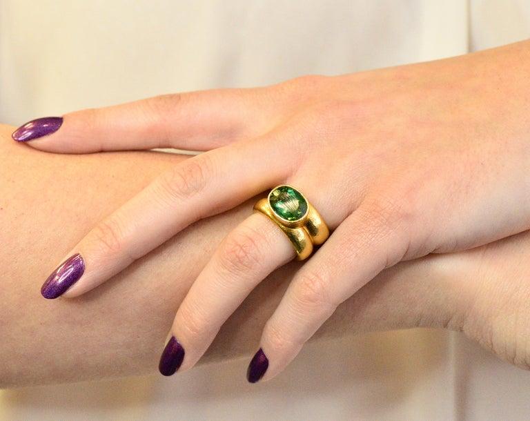 Elizabeth Locke 1980s 4.00 Carat Tourmaline 18 Karat Gold Fashion Ring For Sale 2