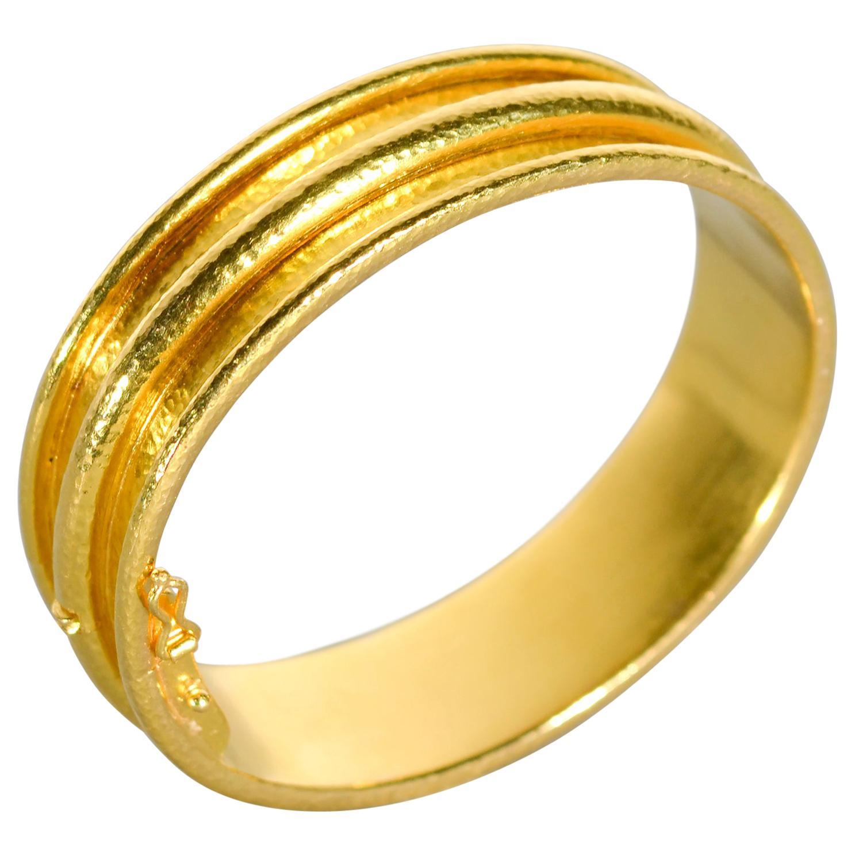 Elizabeth Locke Channeled Gold Bangle Bracelet
