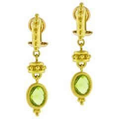 Elizabeth Locke Curved Granulated Hoop Earrings with Peridot Drop