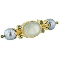 Elizabeth Locke Green Tourmaline, Tahitian Pearl & Green Quartz Yellow Gold Pin