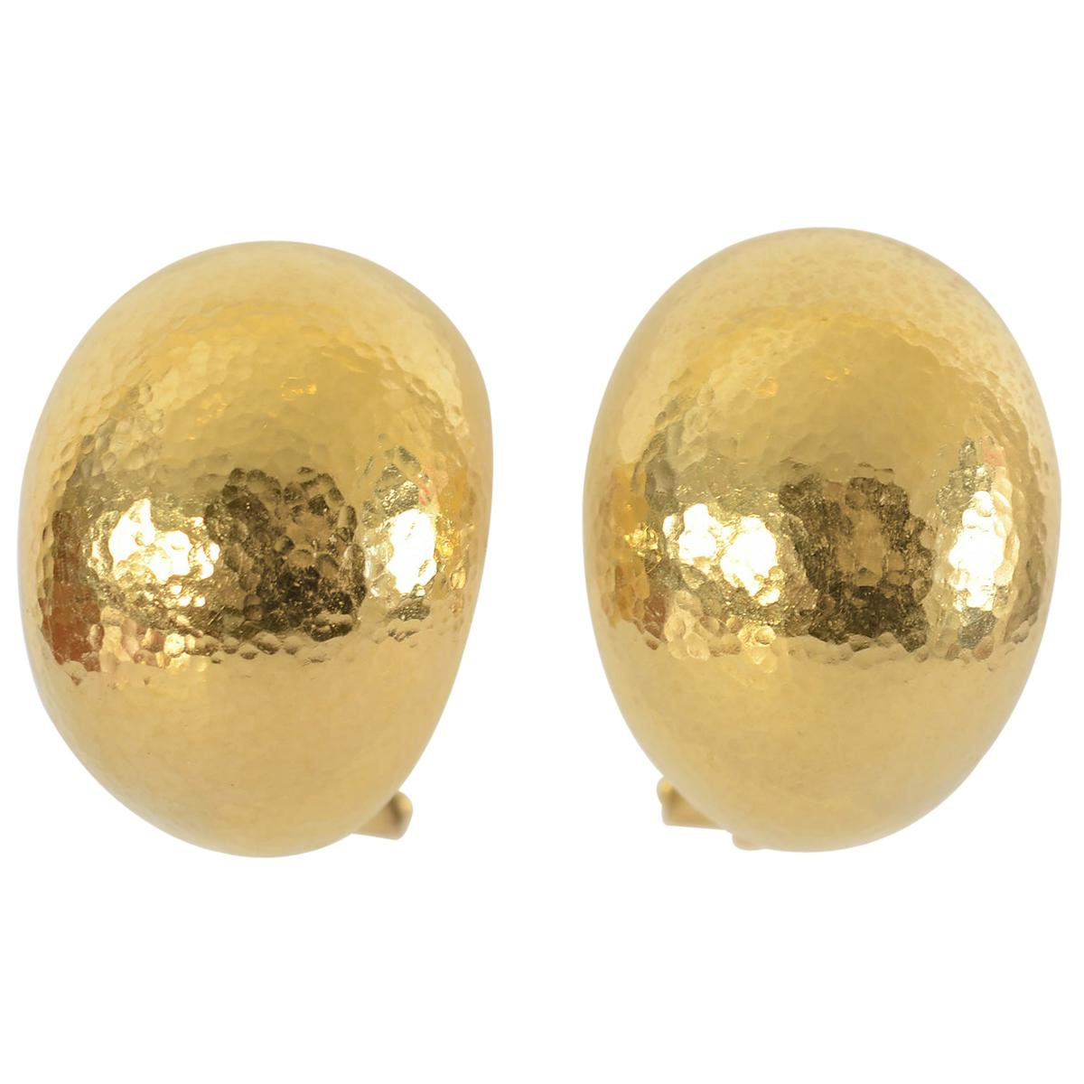 Elizabeth Locke Hammered Gold Shrimp Earrings