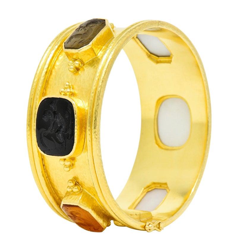 Elizabeth Locke Intaglio 19 Karat Hammered Gold Bangle Bracelet For Sale 4