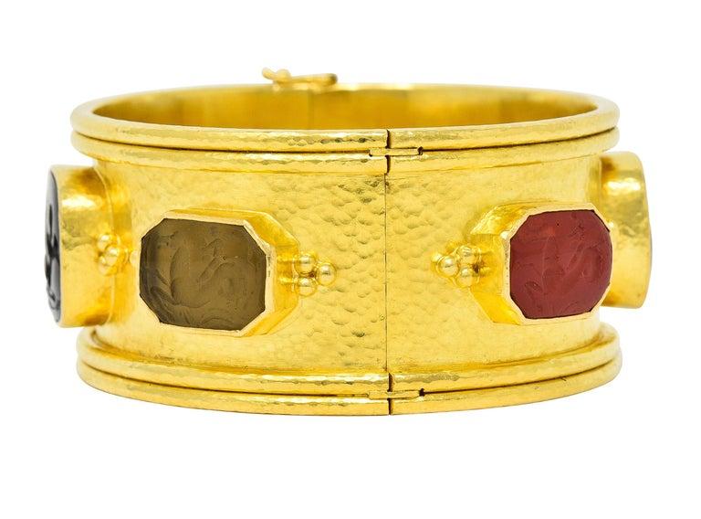 Women's or Men's Elizabeth Locke Intaglio 19 Karat Hammered Gold Bangle Bracelet For Sale