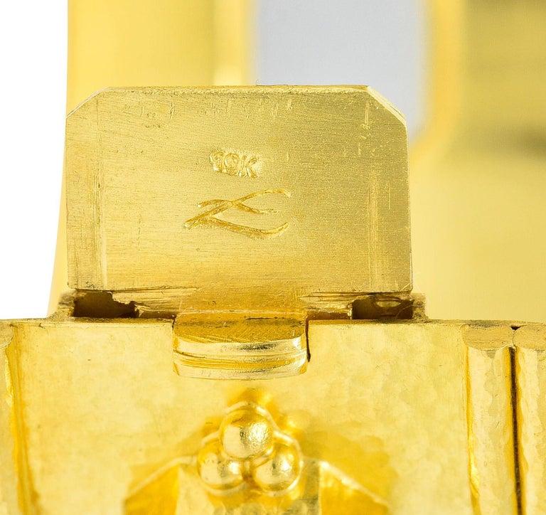 Elizabeth Locke Intaglio 19 Karat Hammered Gold Bangle Bracelet For Sale 1