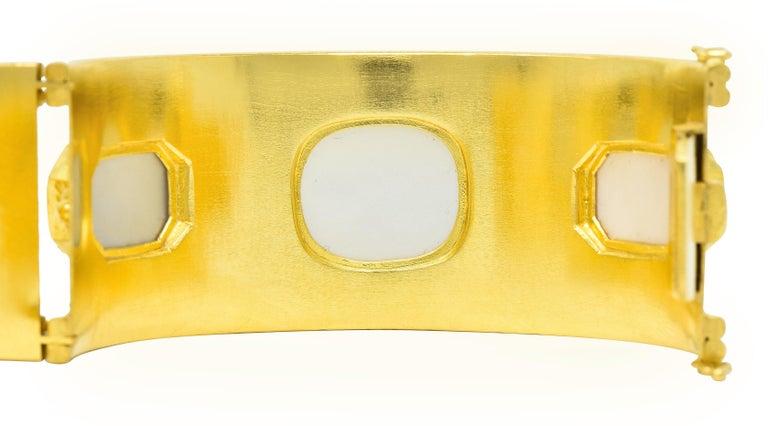 Elizabeth Locke Intaglio 19 Karat Hammered Gold Bangle Bracelet For Sale 2
