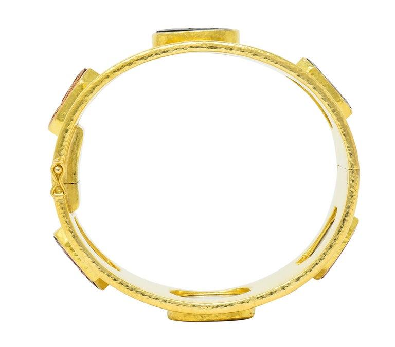 Elizabeth Locke Intaglio 19 Karat Hammered Gold Bangle Bracelet For Sale 3