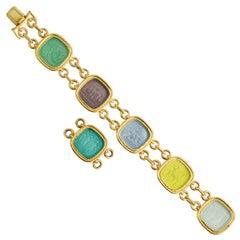Elizabeth Locke Intaglio Gold Bracelet with Pendant