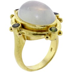 Elizabeth Locke Moonstone Cabochon Gold Ring