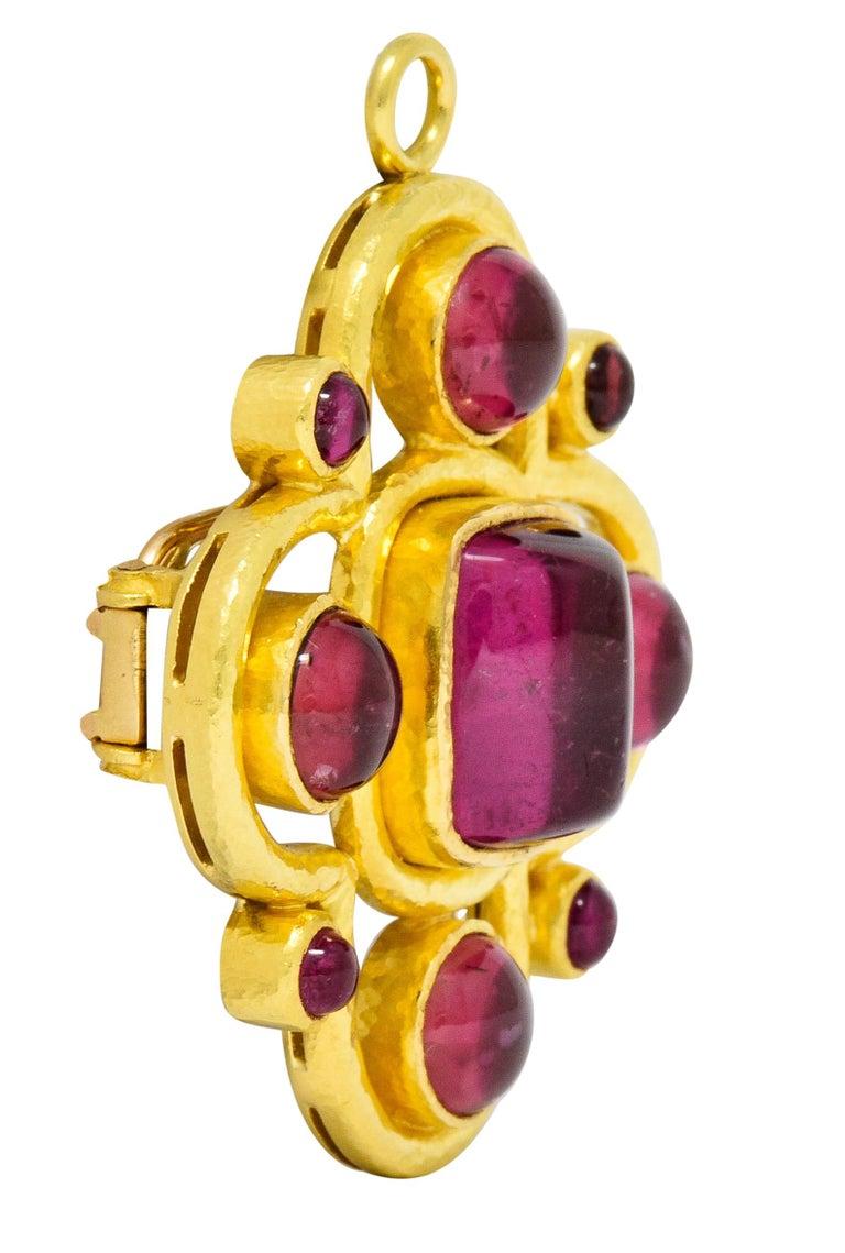 Round Cut Elizabeth Locke Pink Tourmaline 19 Karat Hammered Gold Quatrefoil Pendant Brooch For Sale