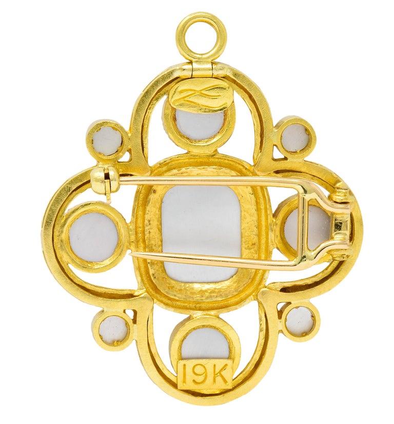 Elizabeth Locke Pink Tourmaline 19 Karat Hammered Gold Quatrefoil Pendant Brooch In Excellent Condition For Sale In Philadelphia, PA