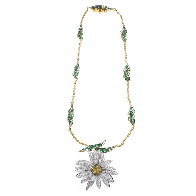 Elizabeth Taylor Collection 4.51ct Diamond and 2.76 ct Emerald Daisy Necklace For Sale