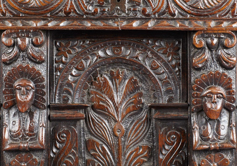 Elizabethan Oak Chest, Somerset, England, circa 1600 For Sale 4