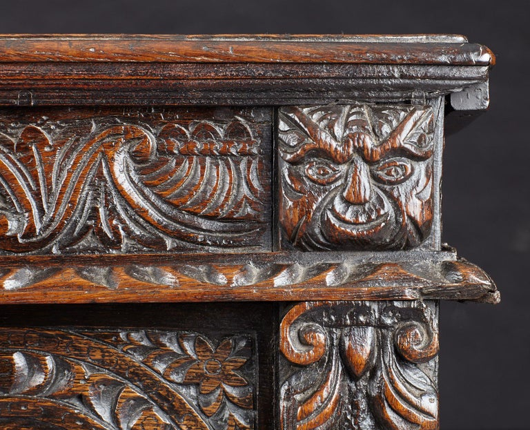 Elizabethan Oak Chest, Somerset, England, circa 1600 For Sale 7