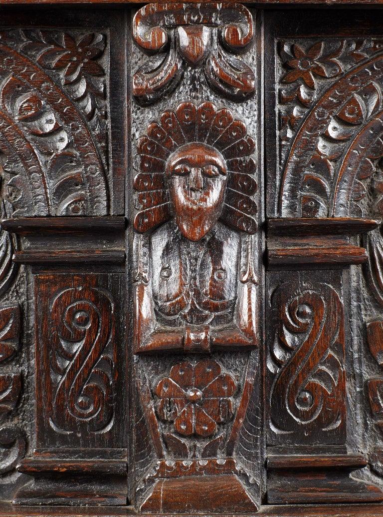 Elizabethan Oak Chest, Somerset, England, circa 1600 For Sale 1