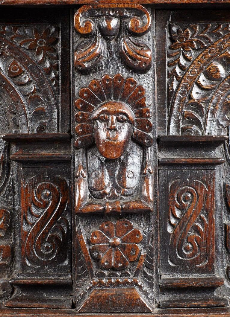 Elizabethan Oak Chest, Somerset, England, circa 1600 For Sale 3